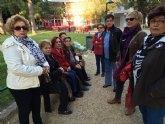 Mujeres de la Asociación de Amas de Casa de las Tres Ave Marías realizan una caminata popular y homenaje a las víctimas de la violencia de género