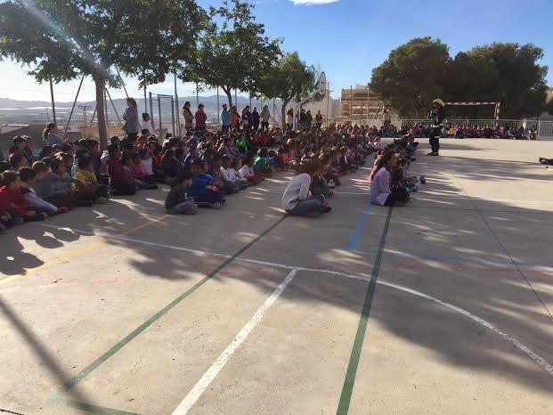 Protección Civil ofrece unas sesiones teóricas sobre primeros auxilios ante accidentes domésticos a los alumnos de los colegios San José y La Cruz, Foto 2