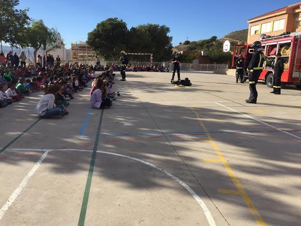Protección Civil ofrece unas sesiones teóricas sobre primeros auxilios ante accidentes domésticos a los alumnos de los colegios San José y La Cruz, Foto 6