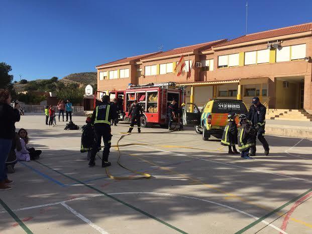 Protección Civil ofrece unas sesiones teóricas sobre primeros auxilios ante accidentes domésticos a los alumnos de los colegios San José y La Cruz, Foto 7