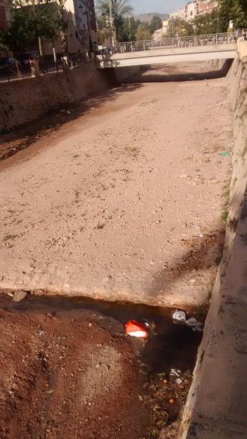 El PP denuncia el vertido de aguas residuales sin control al cauce de la rambla de La Santa durante varias semanas, Foto 4