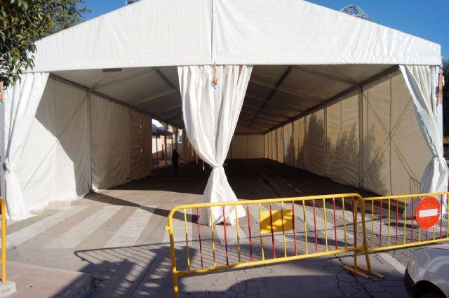 La Feria de Día, instalada este año en el lateral de la iglesia de Santiago, se inaugura mañana a partir del mediodía, Foto 5