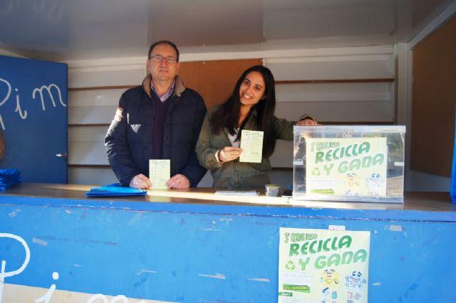 Las concejalías de Medio Ambiente y Educación Ambiental continúan con la campaña de concienciación ciudadana para el adecuado reciclado de selectiva, Foto 2