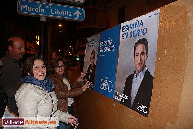 Comienza la campaña electoral con la tradicional pegada de carteles - 9