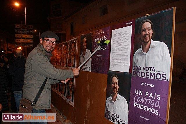 Comienza la campaña electoral con la tradicional pegada de carteles - 11