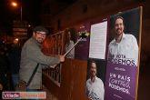 Comienza la campaña electoral con la tradicional pegada de carteles - Foto 11