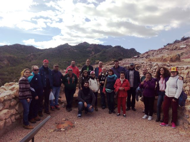 "The Day Centre for Persons with Mental Illness organizes a guided tour to the archaeological site of ""La Bastida"" - 1"