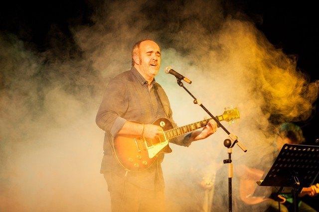 "Juanfran Esparza The singer presented his latest album ""The indomitable traveler"" - 1"