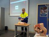 La policía forma a embarazadas sobre el correcto uso de lo sistemas de rención infantil