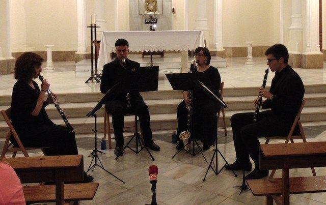 Slap the clarinet quartet is presented - 1