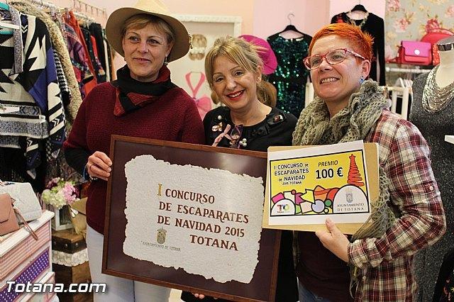 """Floreal Accessories"" wins the contest I of Totana Escaparatismo - 1"