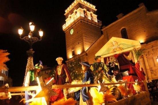 Más de 400 personas y seis peñas de baile y animación participan en la Cabalgata de Reyes, Foto 1