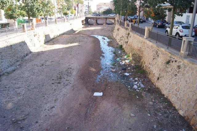 El Ayuntamiento acometerá las obras de arreglo por filtraciones en la rambla de La Santa en cuanto se autoricen los permisos necesarios por parte de la CHS, Foto 1