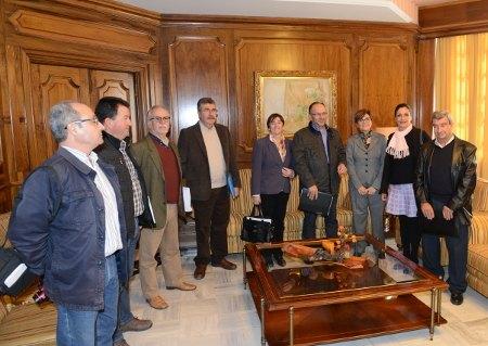 La Plataforma de Afectados por la Linea de Alta Tensión se reúne con la Presidenta y con los Portavoces de la Asamblea Regional, Foto 1