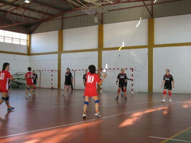 La asociación femenina de balonmano Villa de Mazarrón donará sus fondos a asociaciones del municipio, Foto 2