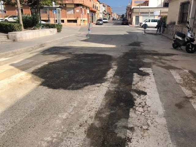 They undertake repair work of the firm in numerous streets of the town center