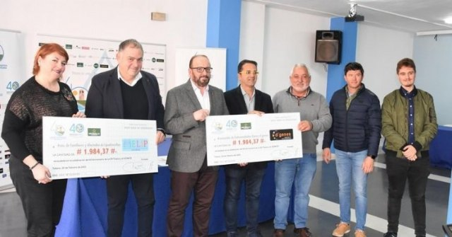 The Irrigation Community delivers to the associations AELIP and D´Genes solidarity check collection of the celebration of the 40th anniversary of the Tajo-Segura transfer