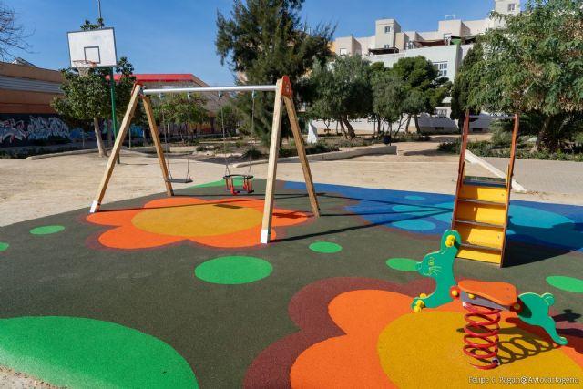 La Plaza de la Roca estrena nueva zona de juegos infantiles para los más pequeños - 1, Foto 1
