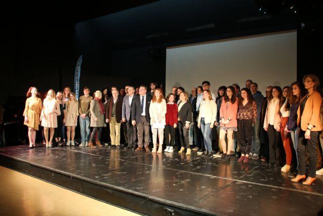 Dos alumnos de Alhama reciben el premio extraordinario de ESO y Bachillerato, Foto 4