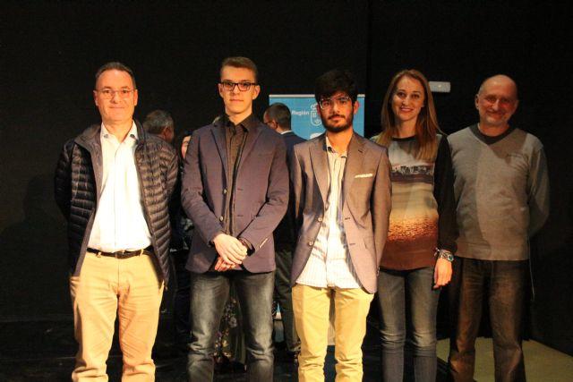 Dos alumnos de Alhama reciben el premio extraordinario de ESO y Bachillerato, Foto 5