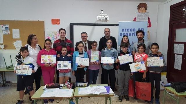 Crece en seguridad premia a los escolares de Villanueva del Río Segura por sus conocimientos sobre prevención de riesgos laborales - 1, Foto 1
