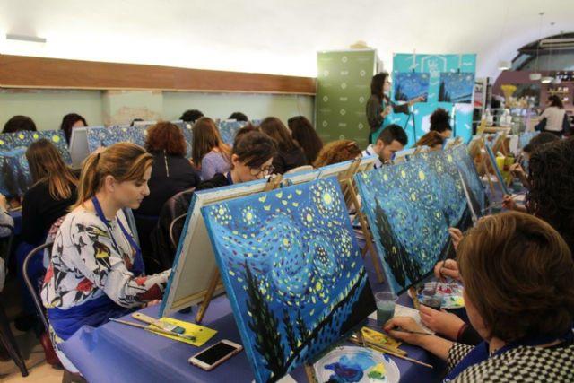 Lorca Taller del Tiempo organiza para el domingo la actividad Salir con arte en el Castillo de Lorca en que se pintará la obra La chica del paraguas de Afremov - 2, Foto 2