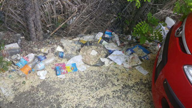 Cs exige al Gobierno local una limpieza urgente del parking disuasorio del Malecón - 1, Foto 1