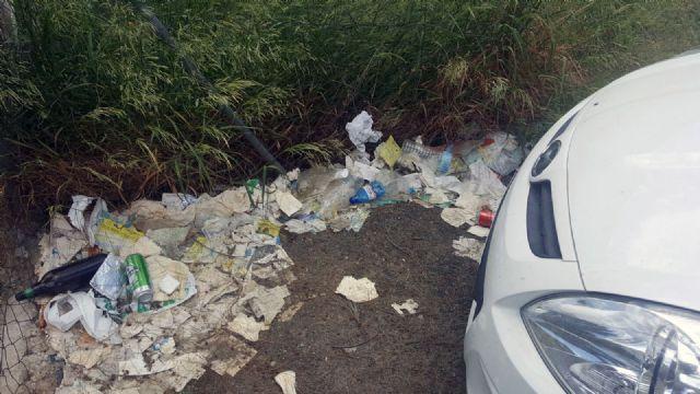 Cs exige al Gobierno local una limpieza urgente del parking disuasorio del Malecón - 4, Foto 4