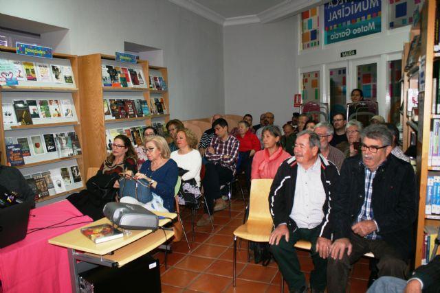 Floren Dimas y Alfonso Cayuela, investigadores de la memoria histórica, disertan en una charla sobre la represión política y las cárceles de Totana tras la Guerra Civil, Foto 5