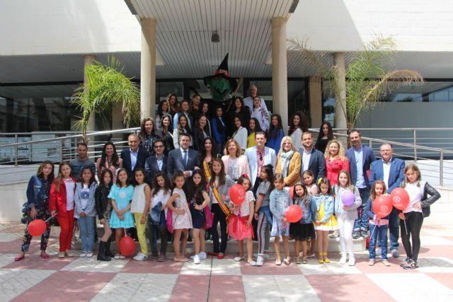 Las 35 candidatas a Reina de las fiestas de la Bruja de Alcantarilla pasan una jornada de convivencia en San Pedro del Pinatar - 1, Foto 1