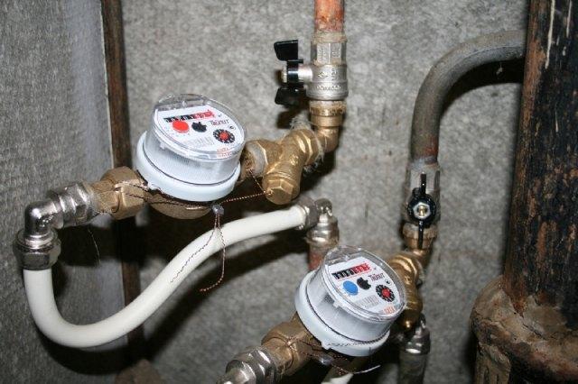 Los industriales de Alhama podrán ahorrar hasta 2.500 euros al año con la nueva tarifa del agua, Foto 1