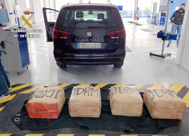 La Guardia Civil intercepta in itinere el transporte de 135 kilos de hachís - 1, Foto 1