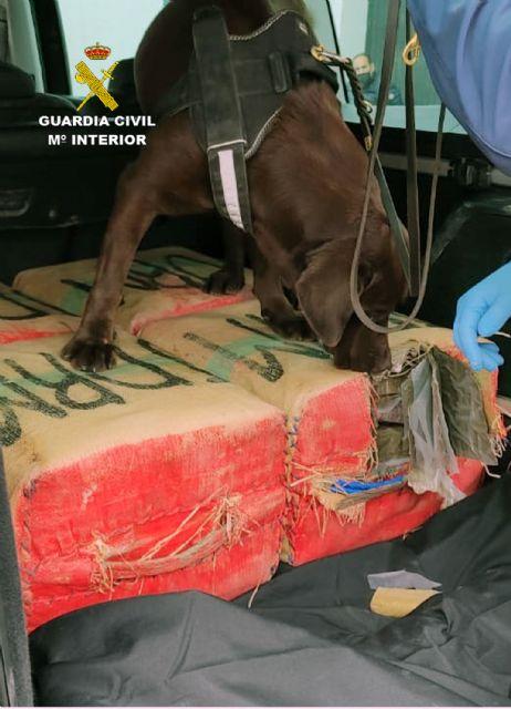 La Guardia Civil intercepta in itinere el transporte de 135 kilos de hachís - 5, Foto 5