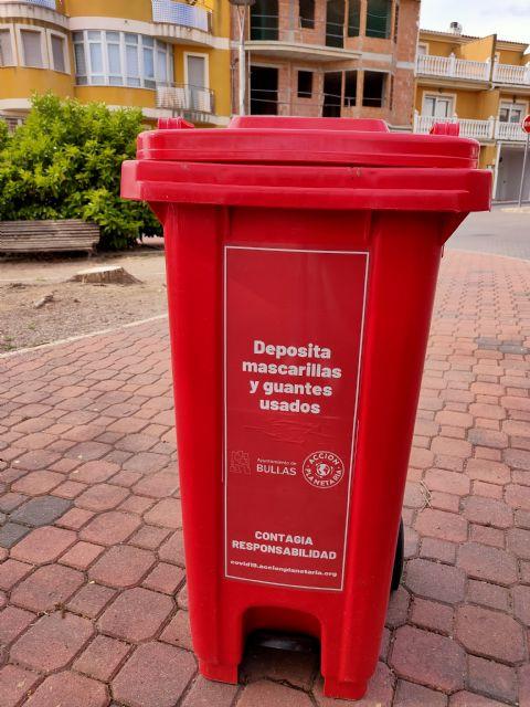 El Ayuntamiento de Bullas instala contenedores para depositar las mascarillas - 1, Foto 1