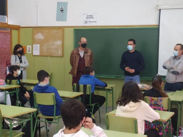 Alumnos de 2° ESO reciben formación en prevención de consumo de alcohol, drogas y ludopatía gracias a un taller organizado por el Ayuntamiento de Puerto Lumbreras - 1, Foto 1