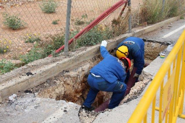Iberdrola desmonta la línea de media tensión que cruzaba la parcela del nuevo IES Valle de Leiva - 2, Foto 2