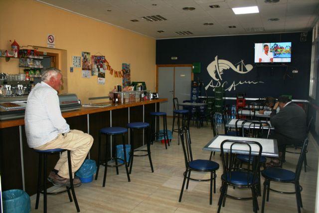 Prorrogan un año más la prestación del servicio de cafetería en el Local Social del barrio Tirol Camilleri - 2, Foto 2