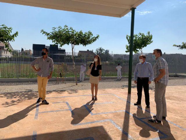 El colegio Nuestra Señora de Los Dolores de El Raal mejora la seguridad de sus instalaciones con la renovación del vallado exterior - 1, Foto 1