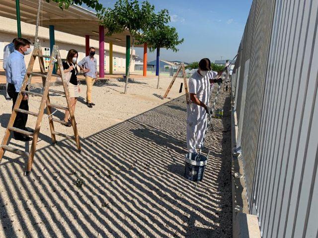 El colegio Nuestra Señora de Los Dolores de El Raal mejora la seguridad de sus instalaciones con la renovación del vallado exterior - 2, Foto 2