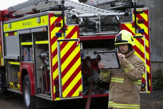 El Toughbook 33 se ha convertido en el dispositivo de trabajo predilecto entre los equipos de bomberos en Europa - 1, Foto 1