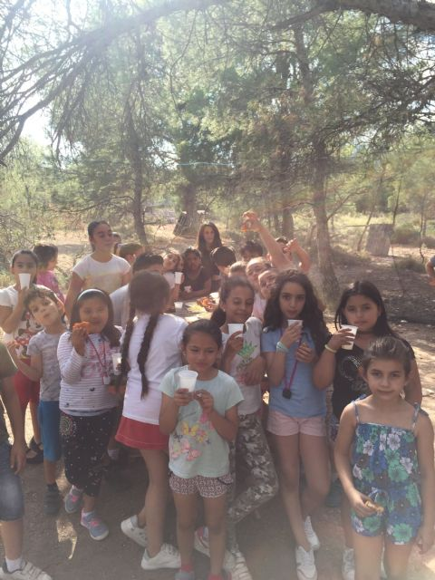 "Welcome party to the summer of the program of accompaniment to minors and families that develops ""El Candil"", Foto 3"
