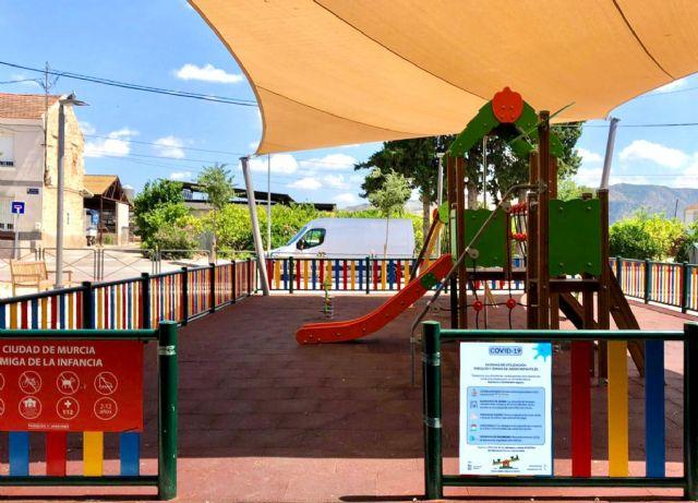 Puesta a punto de los 600 parques de los barrios y pedanías que mañana reabren a las familias murcianas - 1, Foto 1