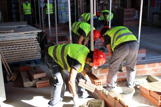 La consejera de Empleo de la Región de Murcia visita el Centro de Formación de la Fundación Laboral de la Construcción en Alhama - 4, Foto 4
