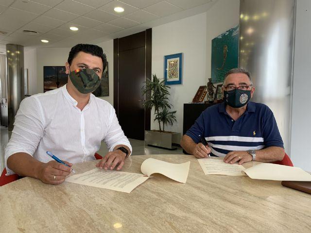 El Ayuntamiento renueva tres convenios de colaboración con las corales Stella Maris Björk y Santiago Apóstol y la Asociación de Amas de Casa de Santiago de la Ribera - 2, Foto 2