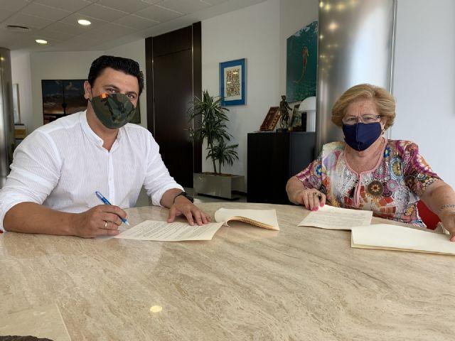El Ayuntamiento renueva tres convenios de colaboración con las corales Stella Maris Björk y Santiago Apóstol y la Asociación de Amas de Casa de Santiago de la Ribera - 3, Foto 3