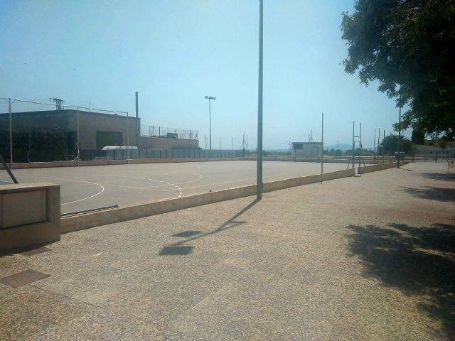 """Adjudican las obras de sustitución del vallado de la pista polideportiva del Centro """"José Moyá Trilla"""", Foto 2"""
