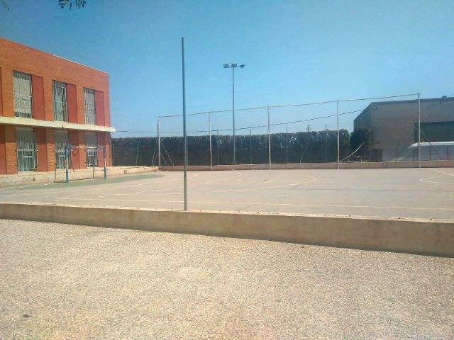 """Adjudican las obras de sustitución del vallado de la pista polideportiva del Centro """"José Moyá Trilla"""", Foto 3"""