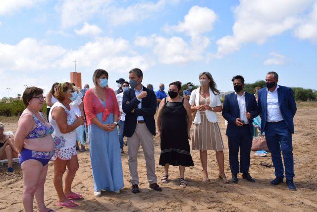 El servicio de baño asistido ya está disponible en Playa Honda, Puerto Bello y San Ginés de La Azohía, Foto 5