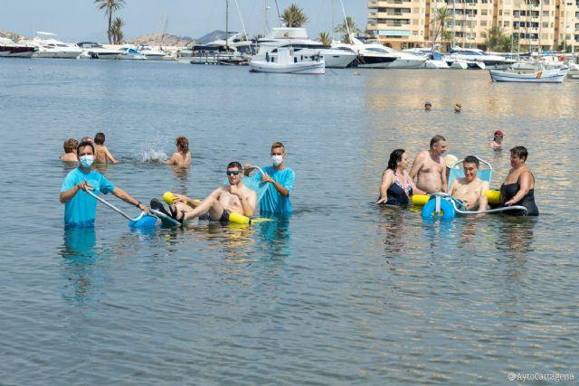 El servicio de baño asistido ya está disponible en Playa Honda, Puerto Bello y San Ginés de La Azohía - 1, Foto 1