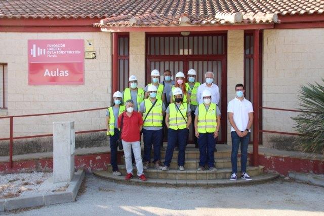 La Fundación Laboral de la Construcción recibe a los alumnos del Programa Mixto de ´Recuperación del patrimonio y paisaje cultural de Alhama´, Foto 1